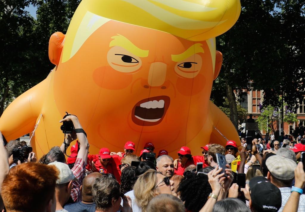 شهدت لندن تظاهرات حاشدة اليوم تنديداً بسياسات ترامب
