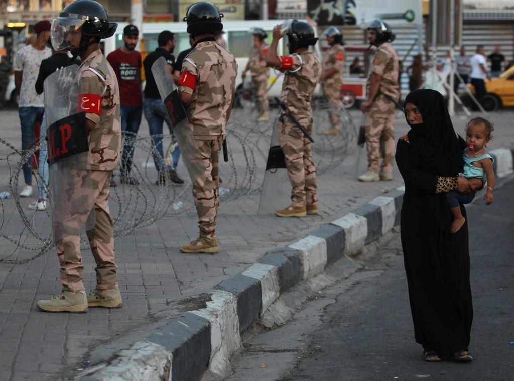 امتدت التظاهرات، أول من أمس، إلى العاصمة بغداد