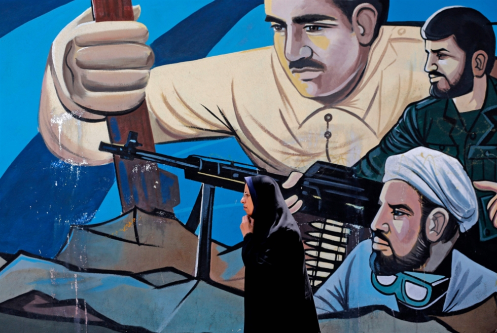 ترامب يتراجع... وإيران تحذّره من «غضب أنصار الثورة»
