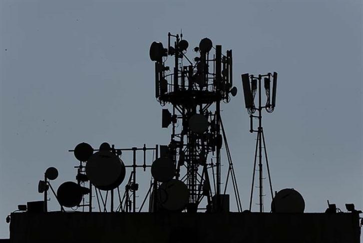شبكة الاتصالات اللبنانية بيد إسرائيليين