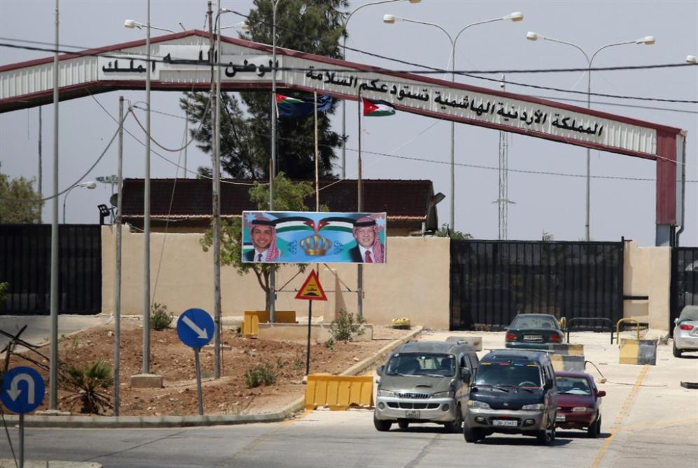 التصدير اللبناني براً يمرّ بسوريا... حصراً