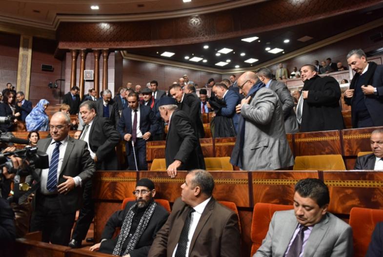 رواتب التقاعد للبرلمانيّين تهدّد ائتلاف حكومة العثماني