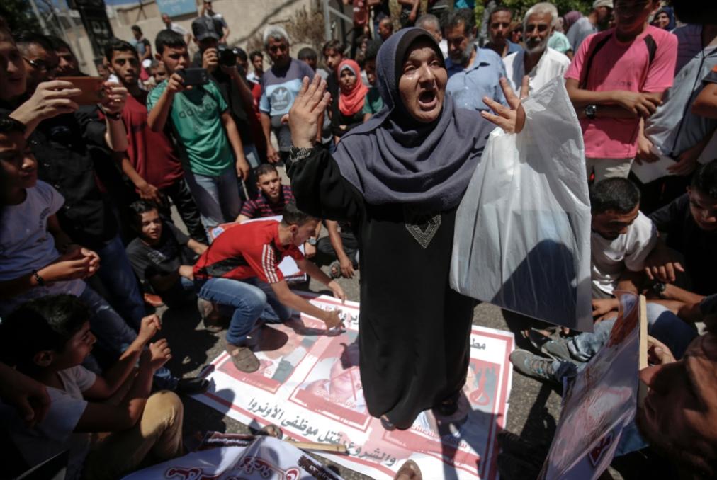 ليبرمان يناقش «التسهيلات» المشروطة لغزة