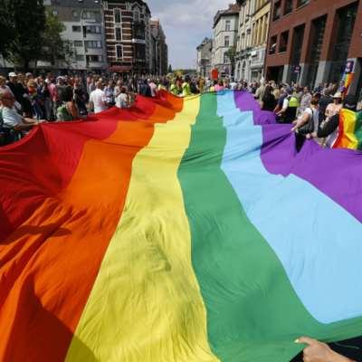 مصريون غاضبون: «Bershka» تروّج للمثلية