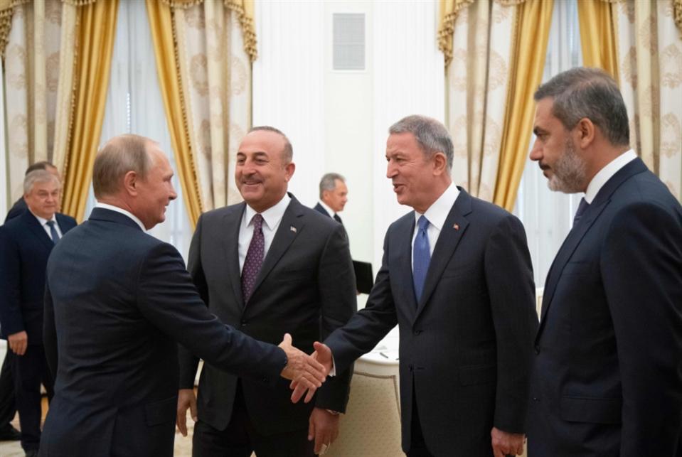 أنقرة تراهن على ورقة «اللجنة الدستورية»: مقترحات روسية حول إدلب