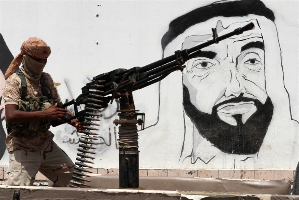 ترتيب أوراق في مواجهة قطر وتركيا وعُمان: الإمارات تسحب السلفيين من تعز