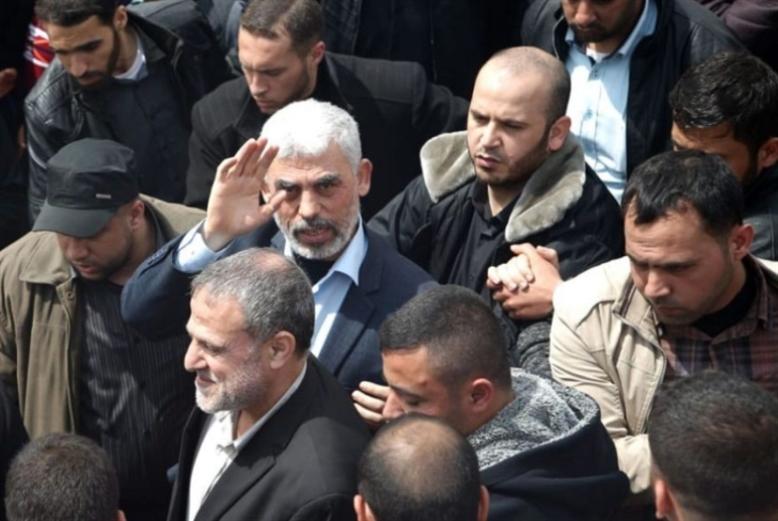 السنوار يقدم رؤية «حماس»: شهران لفك الحصار... وجاهزون للحرب