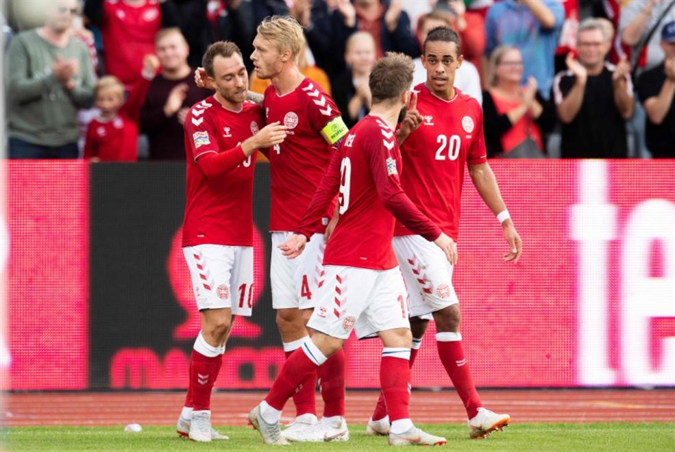 إيركسن يهدي الدنمارك النقاط الثلاث