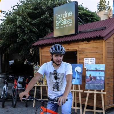 درّاجات جزّين... من ربّة منزل إلى عالم الأعمال
