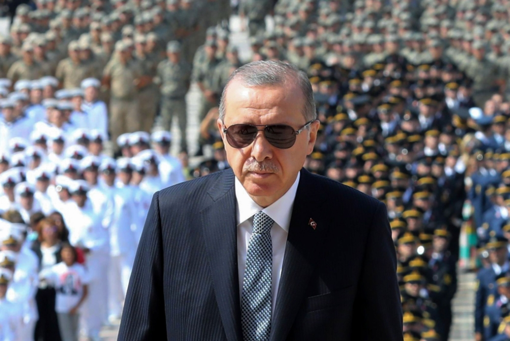 أردوغان شاهراً الـ«أس 400» مجدداً: يستخدمون «سلاح الاقتصاد» ضدنا