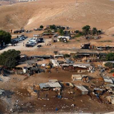 الاحتلال يزيل وحدات سكنية قرب خان الأحمر