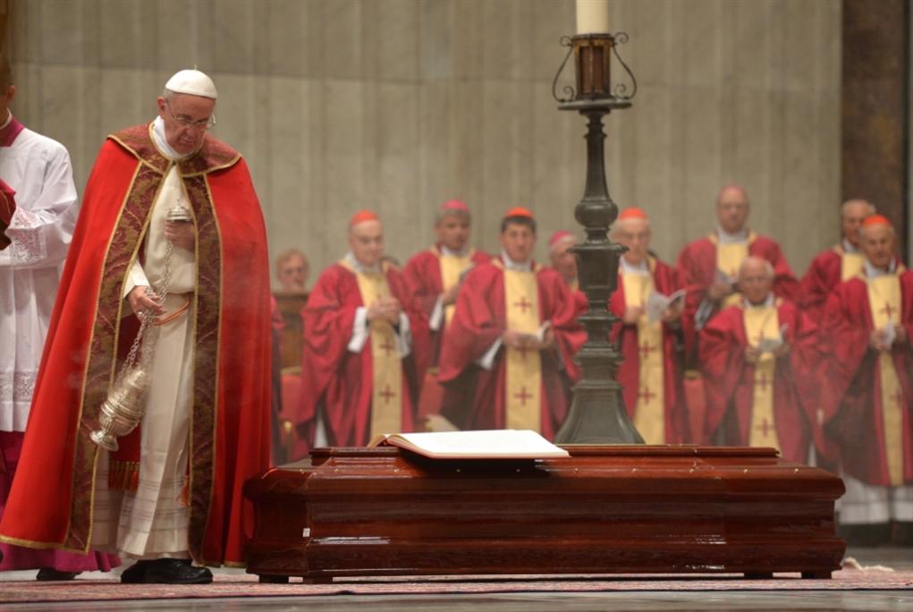 جوقة كنيسة سيستين متورّطة بقضايا غسيل أموال!