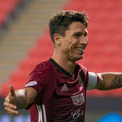 الإمارات تجنّس لاعباً أرجنتينياً