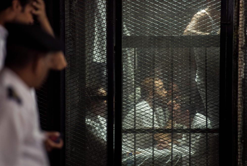 أموال «الإخوان» إلى خزانة الدولة من دون «أحكام» نهائية!