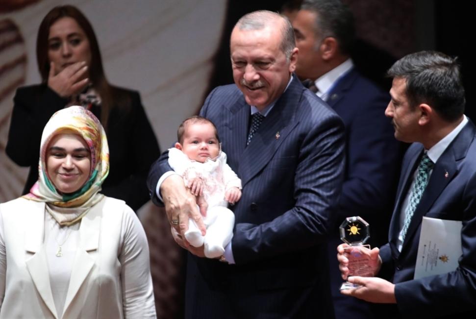 «انتصار» البنك المركزي: لماذا رضخ أردوغان في النهاية؟