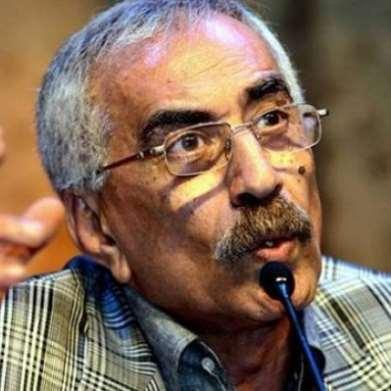 رحيل الشاعر والكاتب خيري منصور