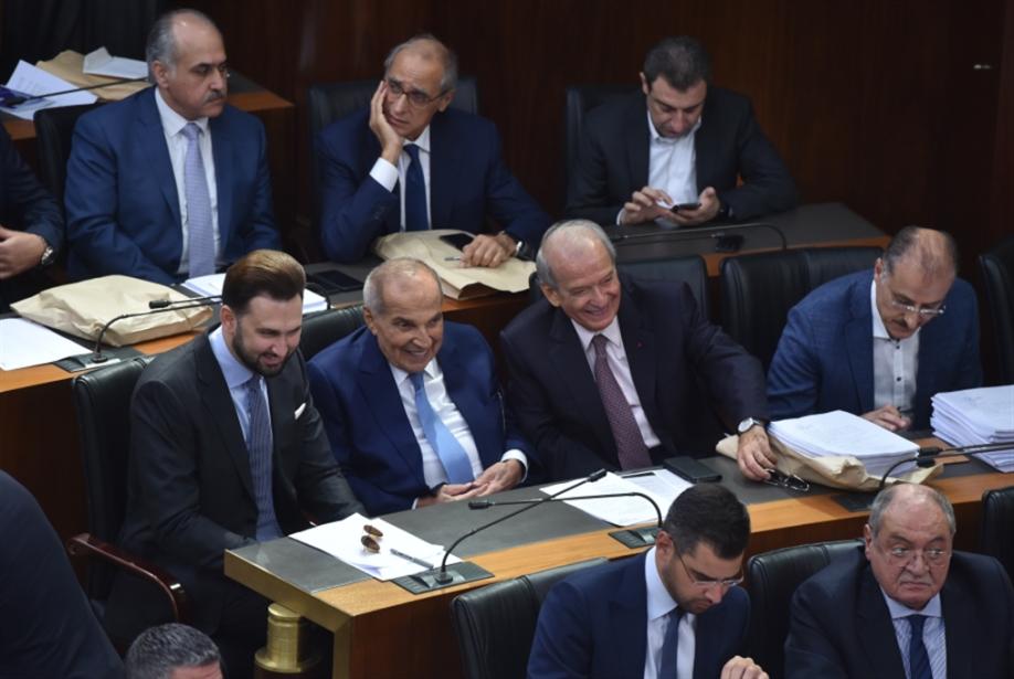 عجز كهرباء لبنان: زيادة فاتورة المولدات أو «السلفة»!