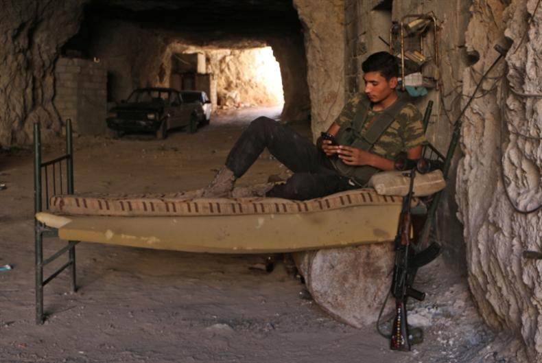 «النصرة» نحو إعادة الانتشار في إدلب «تحت سقف الشرع»
