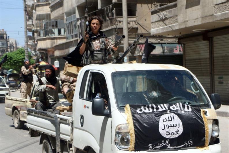 «النصرة»: جنين «داعش» ونواة «الخلافة»