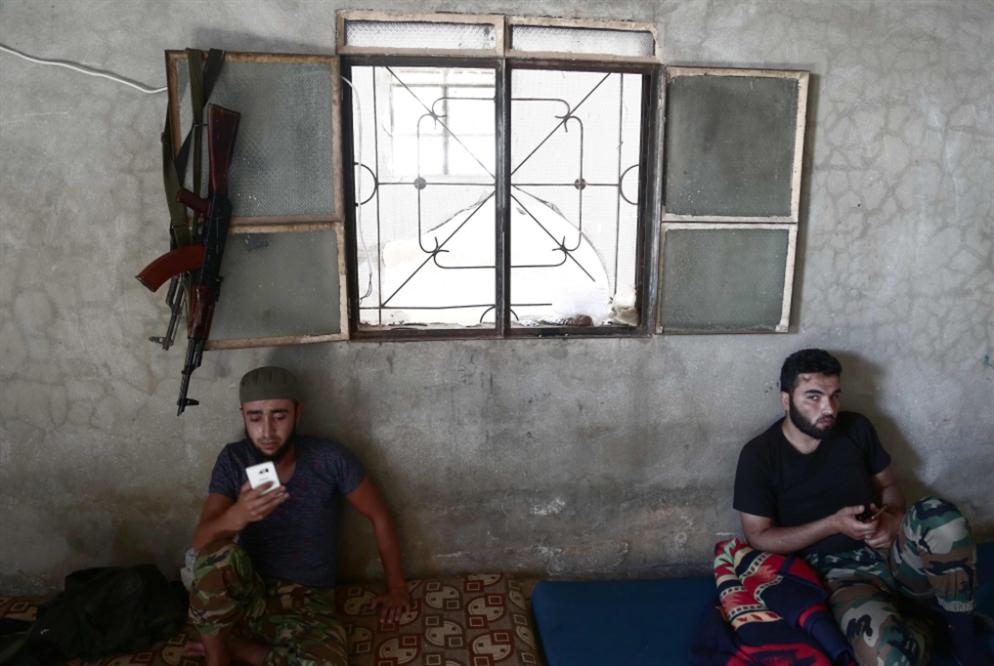 توتر في ريفي حماة واللاذقية... في انتظار مصير «تحرير الشام»