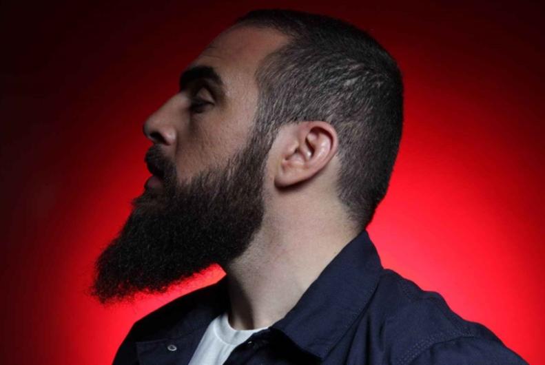 مغني «الراب» الذي هزّ أركان «الجمهورية» الفرنسية: MEDINE في بلاد الإسلاموفوبيا