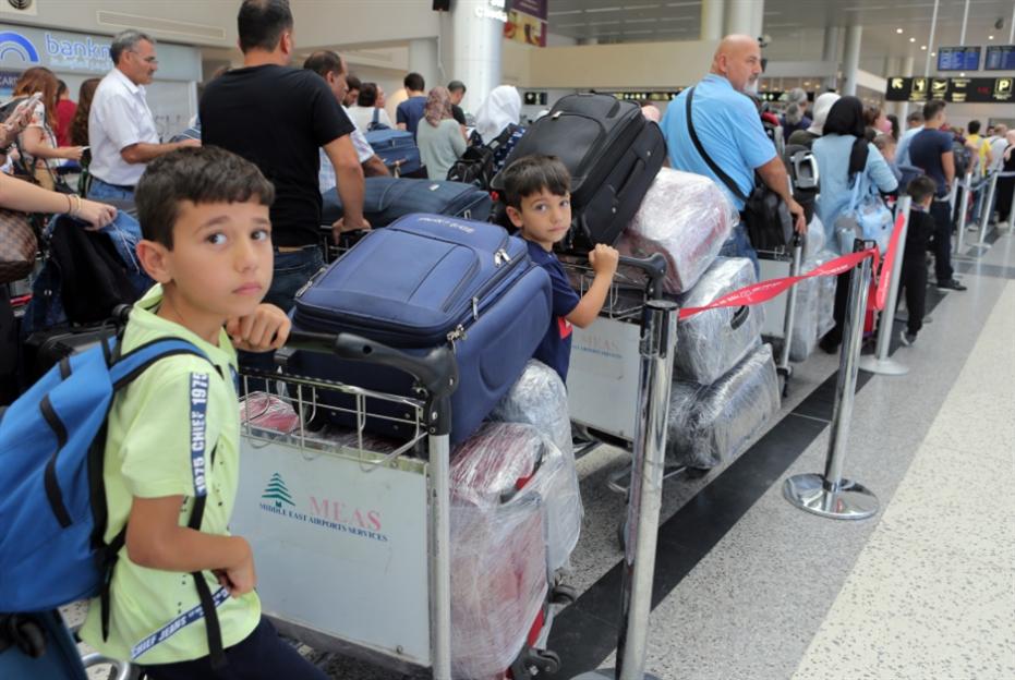 يوم الذل في مطار بيروت: جمهورية التنك