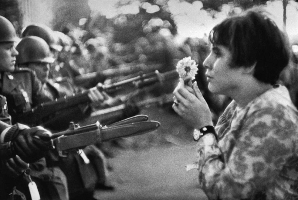 من سوزان سونتاغ إلى رولان بارت:  الفوتوغرافيا... تاريخ  موازٍ للإنسانية