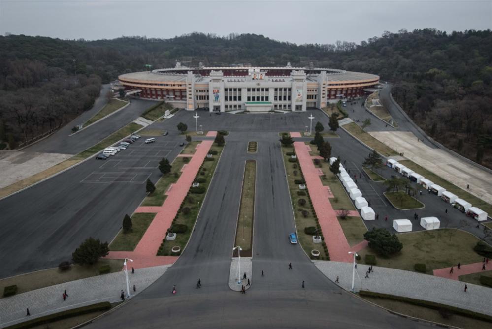 كرة القدم تجمع الكوريتين... مباراة «سريّة» في بيونغ يانغ