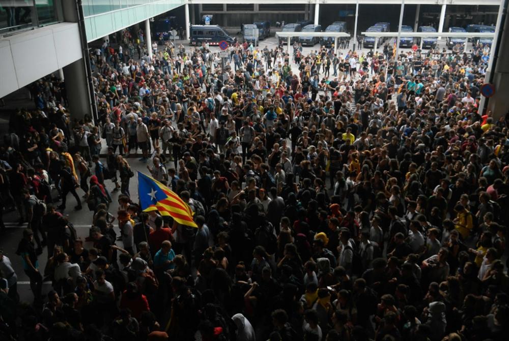 محاكمات تهدّد بعودة التوتّر: مدريد تطوي صفحة انفصال كتالونيا