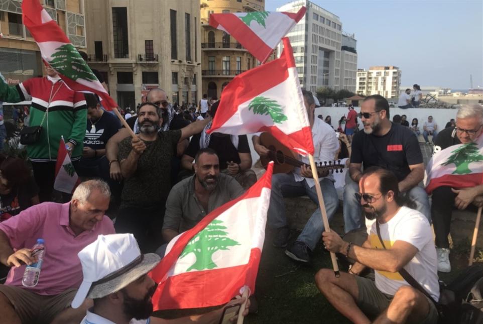 (بعض) النجوم في التظاهرات: «شوفيني يا منيرة»