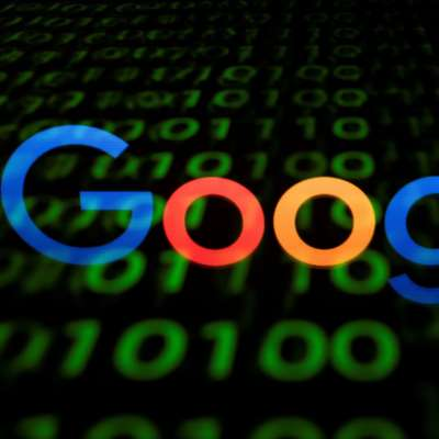 «غوغل» تحاول شراء «Fitbit»