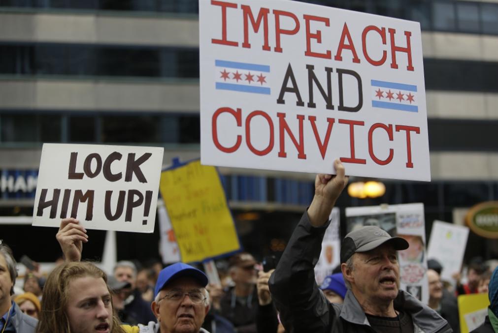 جلسات عزل ترامب: مساعٍ «ديمقراطية» لنقلها إلى العَلَن