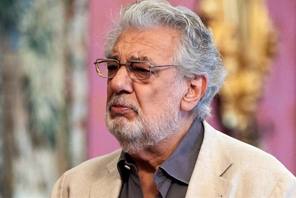 استقالة بلاسيدو دومينغو من أوبرا لوس أنجليس
