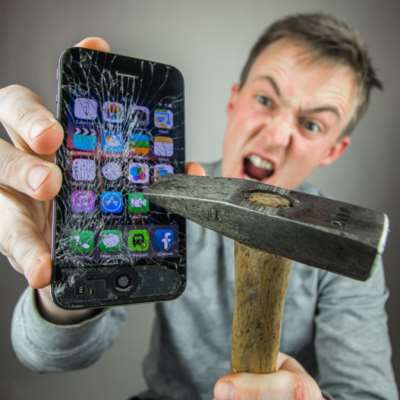 بسبب نظام التشغيل iOS 13، مستخدمو «أيفون» يواجهون هذه المشاكل