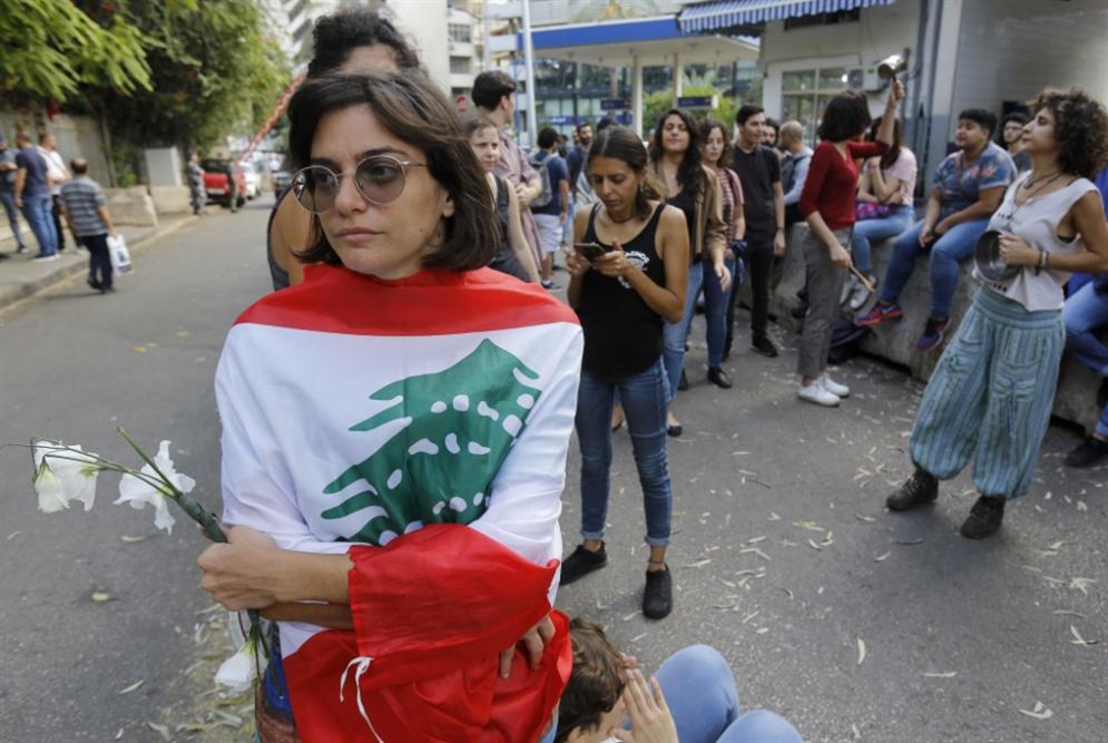 الحريري «يتشاطر» على 8 آذار ورؤساء الحكومات السابقين: أسهم الصفدي تتراجع؟