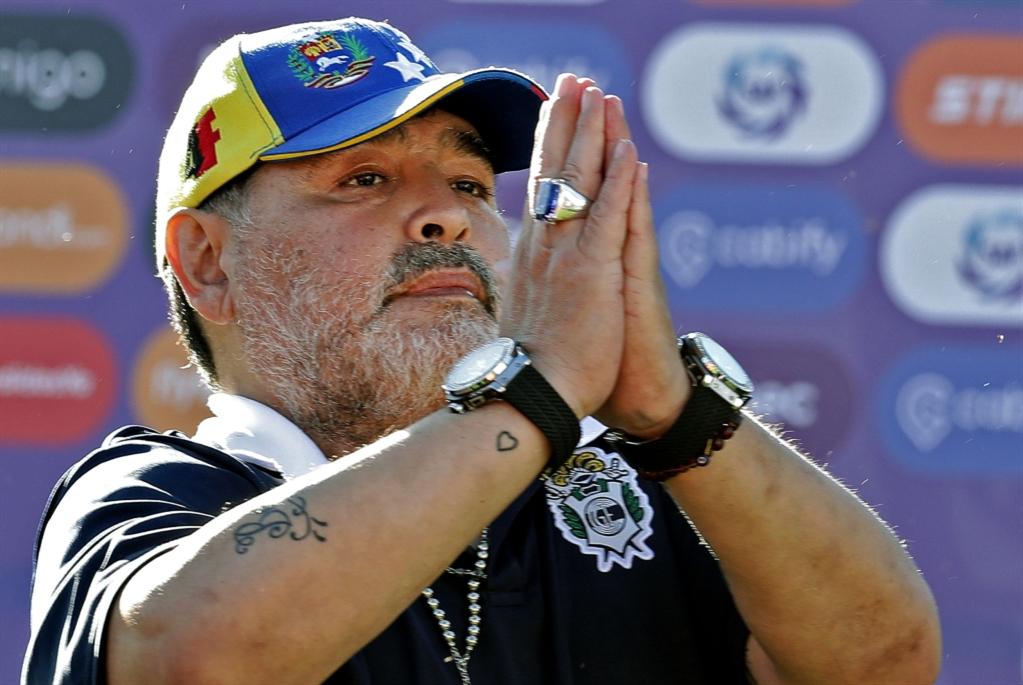 مارادونا يترك منصبه