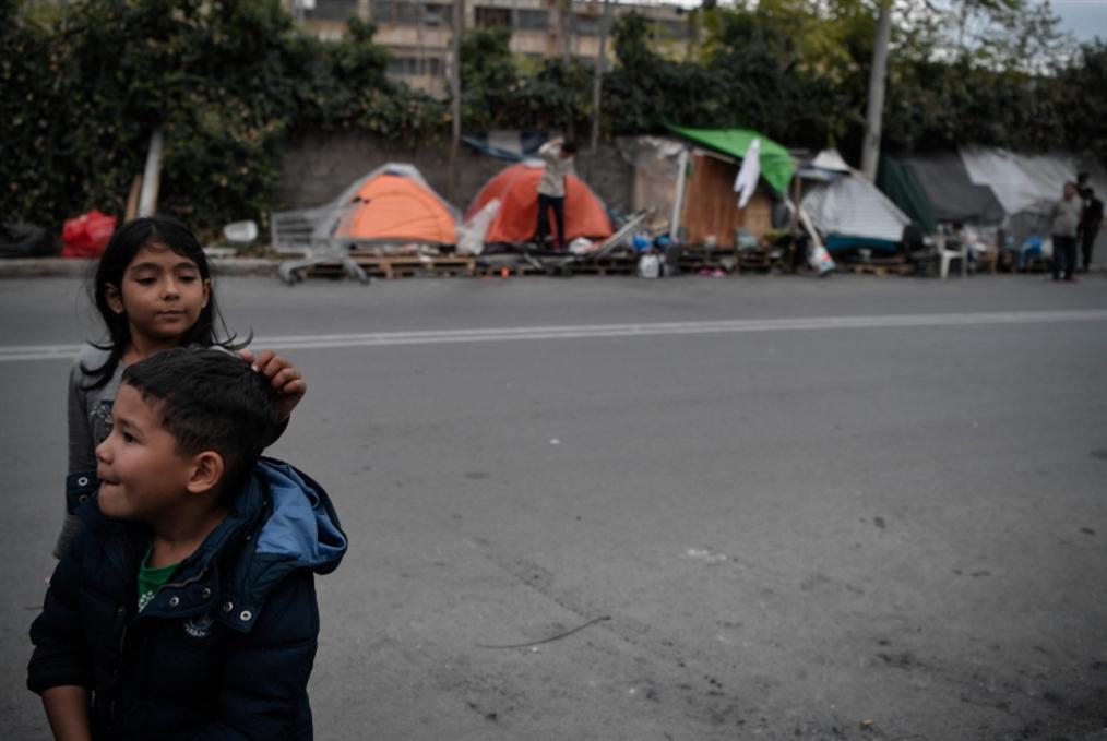 اليونان: تعديلات على نظام الهجرة ومخيّمات اللاجئين