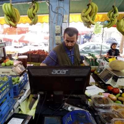 الأسعار تحلّق: لا لحوم للفقراء... فليأكلوا البسكويت!