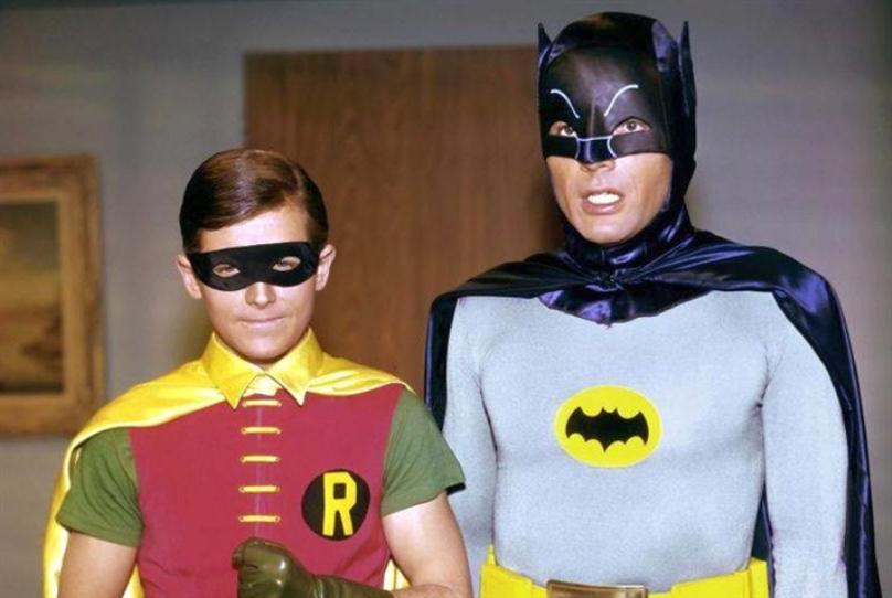 أزياء أصلية لـ «باتمان» و«روبين» إلى المزاد