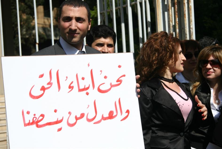 الحريري «يأسر» الكُتَّاب بالعدل  رغم تحقّق التوازن الطائفي