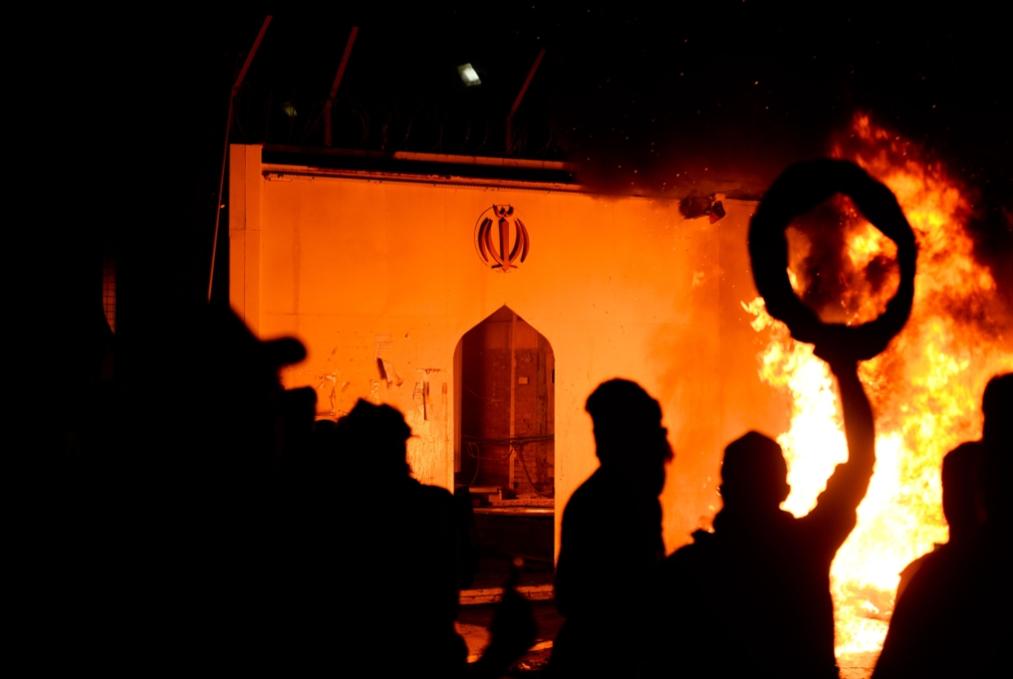 عبد المهدي يحذّر من «صدام خطير»: لن نكتفي بالدفاع