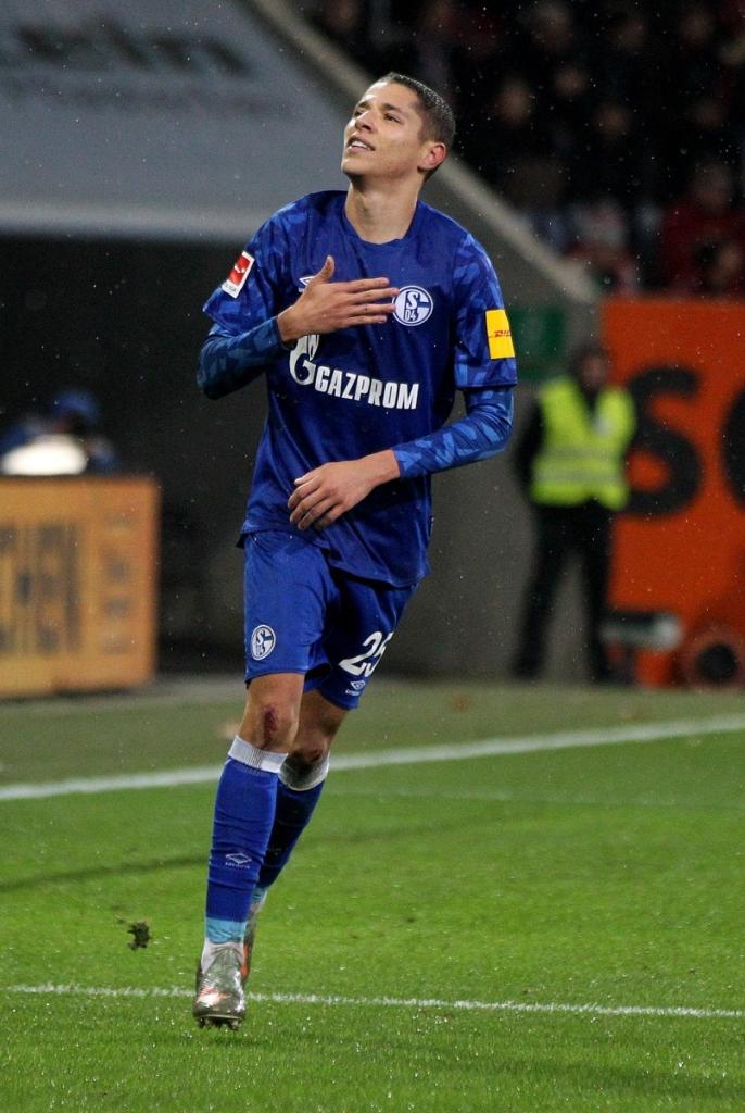 يقدم لاعب الوسط المغربي أمين حارث أداءً مميزاً
