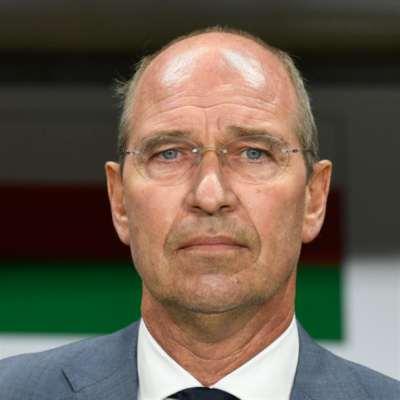 وفاة مدرّب عمان والمغرب السابق