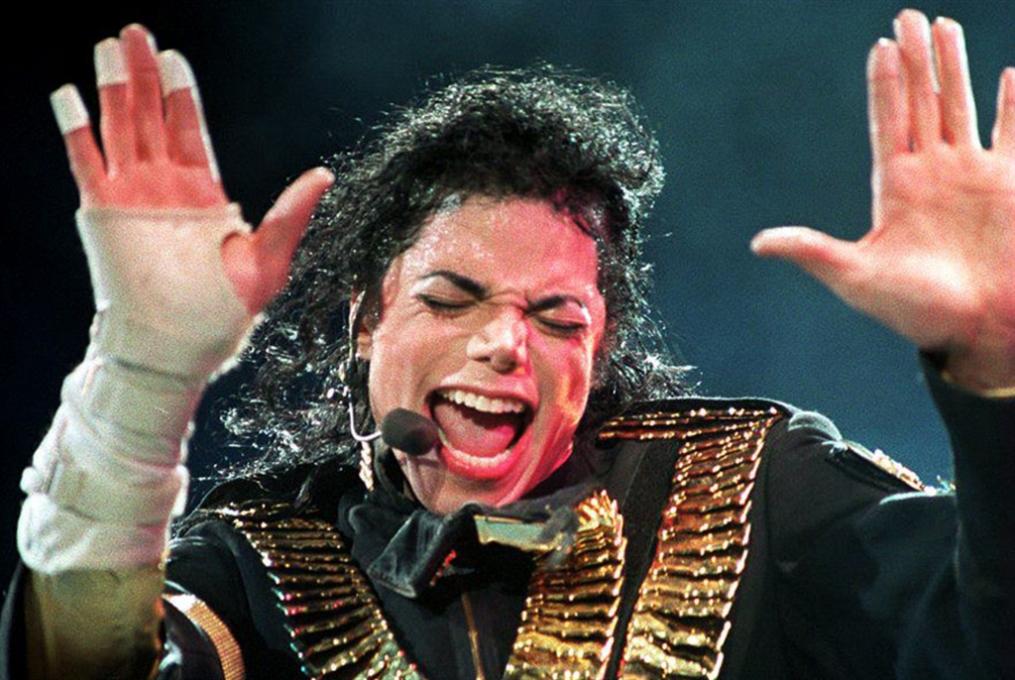 مايكل جاكسون... مسرحية غنائية بتوقيع جوني ديب
