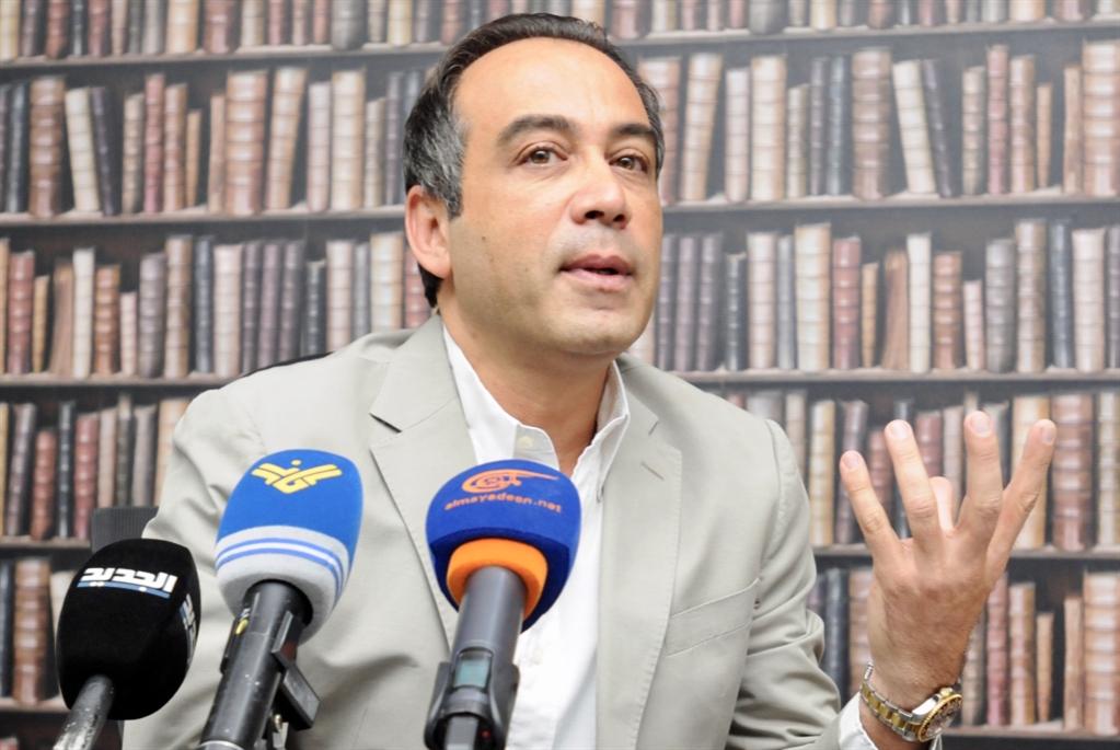 بدر وترك رئاسة الأنصار: حقيقة أم مناورة؟