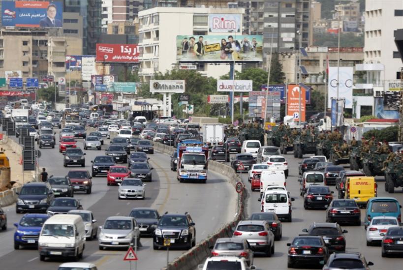اللوحات الإعلانية في مهبّ العاصفة: 20 ألف «قنبلة موقوتة» في الشوارع!