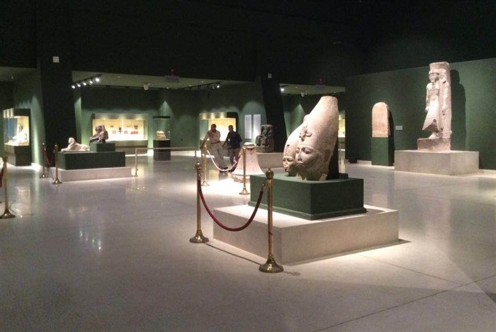 «متحف سوهاج»: «شناكل» ومسامير تُغضب النت