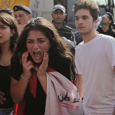 طلاب لبنان يقودون الاعتصامات المطلبية