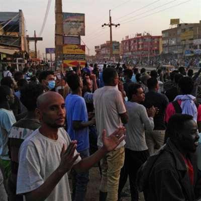 البشير يستند إلى دول الخليج: المعارضة تطيل نفس الاحتجاجات