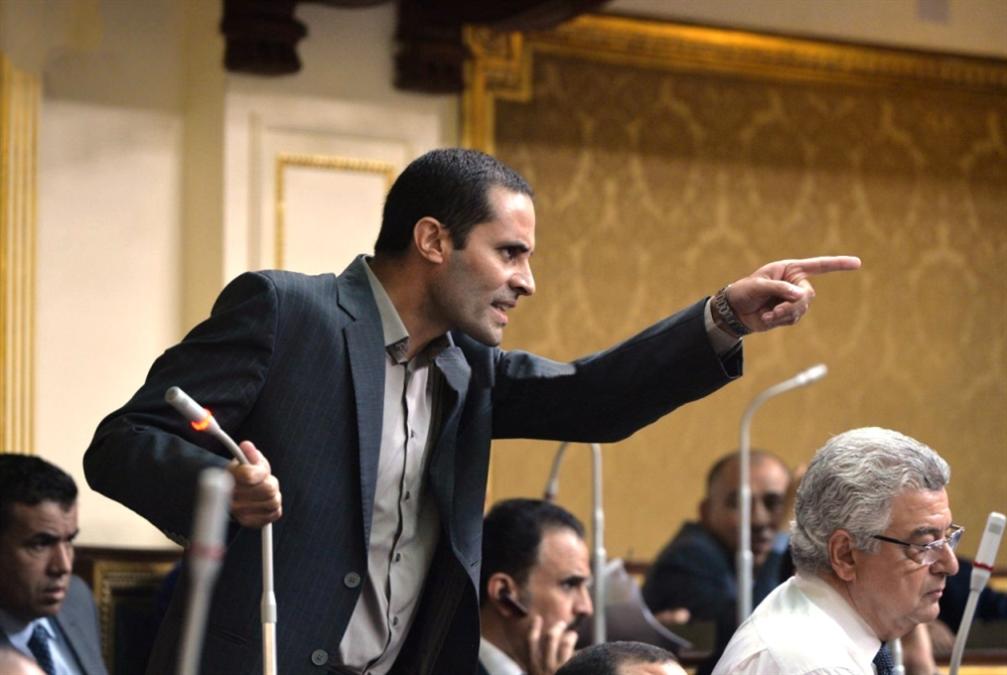 مصر | البرلمان يعاقب نائباً طالب بإصلاحات سياسية